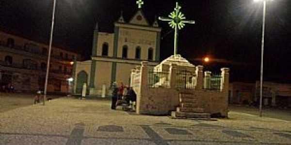 Crisópolis-BA-Cruzeiro em frente a Paróquia de Bom Jesus-Foto:Edson Jorge