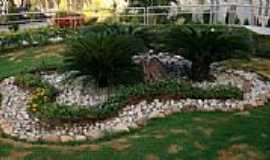 Bom Princípio do Piauí - Jardim do Colégio N.Sra.das Graças-Foto:Helder Fontenele