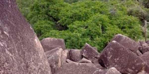 Serra dos Cocos - Caldeirão Grande do Piauí, Por Francisco Deus de Sousa