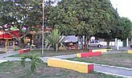 Cruz das Almas - Pra�a no Bairro Ana L�cia (Rua da Mata) por Tico2008