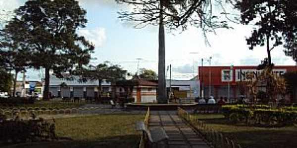 Cruz das Almas-BA-Praça no centro-Foto:Luiz Vinicius