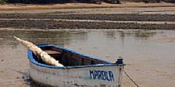 Barco de pesca em Cumuruxatiba-BA-Foto:Alberto Alves