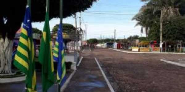 frente da prefeitura, Por Karoline Reis dos Santos