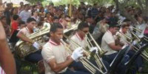 Banda de musica da cidade..., Por luiza  Castelo