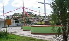 Novo Oriente do Piauí - Praça da Igreja Matriz-Foto:IGOR ESCÓRCIO