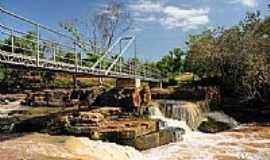 Novo Santo Antônio - Ponte de ferro sobre a Cachoeira Rosário em Novo Santo Antônio-PI-Foto:Juscelreis