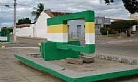 Padre Marcos - Monumento da Praça do Abrigo-Foto:Val Araújo
