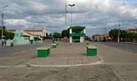Padre Marcos - Praça-Foto:Val Araújo