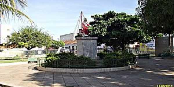 Picos-PI-Imagem do Sagrado Coração de Jesus na Praça da Matriz-Foto:WLuiz