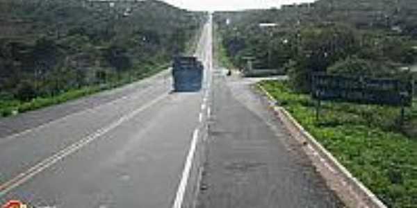 Entrada da cidade de Santa Cruz do Piauí-Foto:portalemdia.