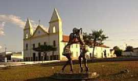 São João do Piauí - Monumento na Praça da Matriz em São João do Piauí-PI-Foto:Cabral Lopes