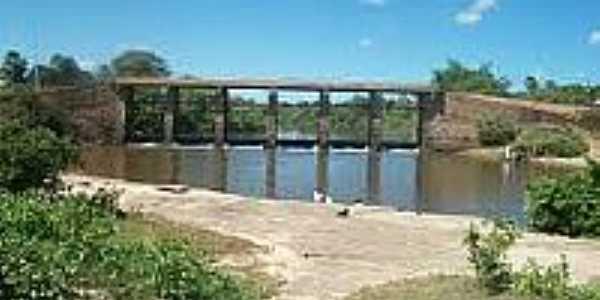 Ponte sobre o Rio Piracuruca em São José do Divino-Foto:pt.db-city.