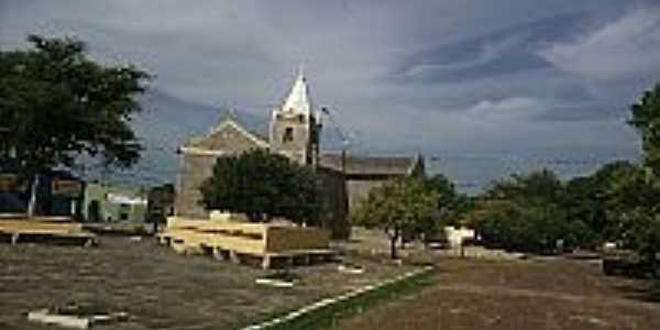 Praça e Igreja em São José do Divino-Foto:ANANIAS