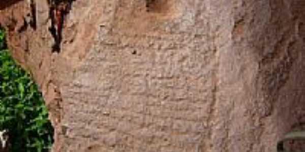 Inscrições rupestre na caverna-Foto:pedro.deolino