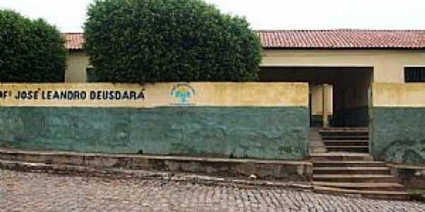 S�o Raimundo Nonato-PI-Escola Leandro Deus Dar�-Foto:WLuiz