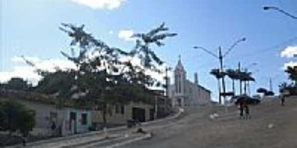 Praça e Igreja N.Sra.de Lourdes em Encruzilhada-BA-Foto:leandro lima