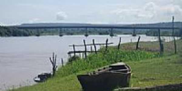 Velho barco às margens do Rio Parnaíba em Uruçuí-PI-Foto:guilhermefloriani