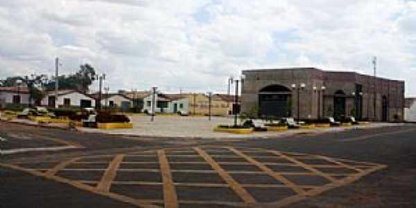 Wall Ferraz-PI-Praça central-Foto:www.portalfcs.com.br