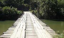 Açungui - Açunguí-PR-Ponte sobre o rio Açunguí para o Povoado Jacaré-Foto:Elétro Motores Itaperuçu