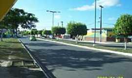 Entre Rios - Avenida da entrada da cidade de Entre Rios-Foto:Rose Barros