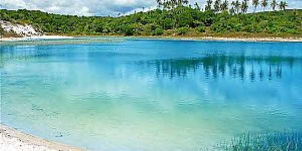 Lagoa Azul localizada no Distrito de Baixios