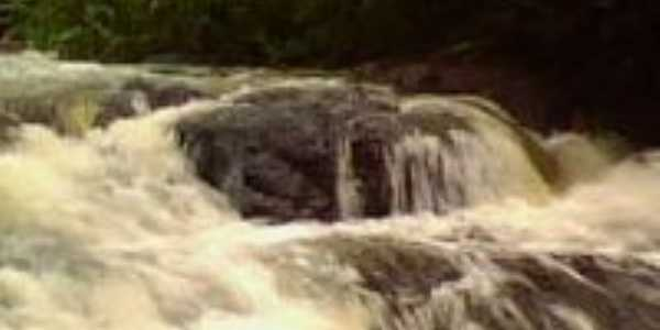 Cachoeira, Por Luciana Abreu