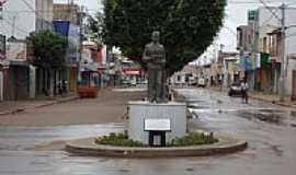 Euclides da Cunha - Estátua em homenagem ao Escritor na Av.Rui Barbosa em Euclides da Cunha-BA-Foto:Carlos Amorim Divulg…