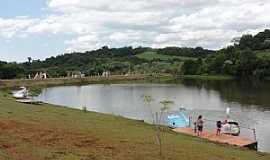 Apucarana - Apucarana-PR-Vista do lago no Parque da Redenção-Foto:Paulo Yuji Takarada