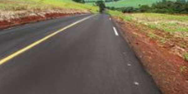 rodovia de acesso à Arapuã-PR, Por josé Manoel