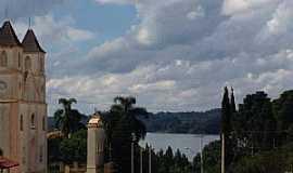 Araucária - Pátio da Igreja de São Miguel
