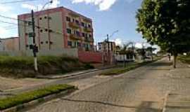 Eunápolis - Avenida no Bairro Dinah Borges em Eunápolis-BA-Foto:FJSinval