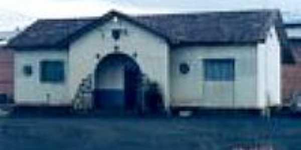 Fachada da Estação Ferroviária de Barro Preto em 29/12/2003-Foto:Douglas Razaboni