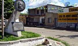 Ferradas - Praça em Ferradas-BA-Foto:www2.uol.