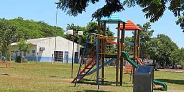 Bragantina-PR-Parque Infantil-Foto:Ricardo Mercadante