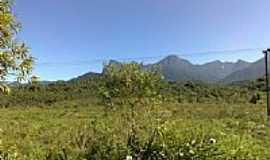 Cacatu - Conjunto de Montanhas visto de Cacatu-Foto:MAICON BARON