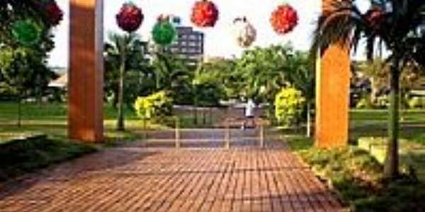 Praça Brasília centro de Cafelândia-Foto:Patricia Skura