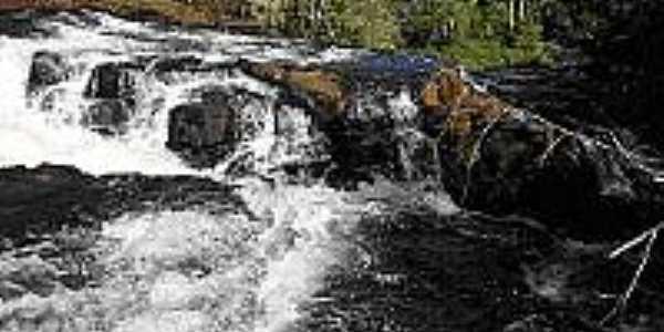 Cachoeira Santana.