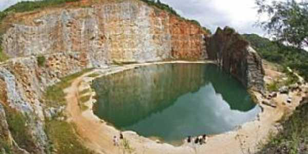Campo Magro-PR-Lagoa Azul na antiga pedreira-Foto:Sergio Rodrigo de Medeiros