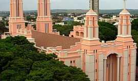 Campo Mour�o - Campo Mour�o-PR-Catedral de S�o Jos�-Foto:Leonardo Figueiredo