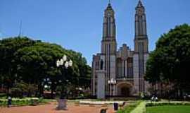 Campo Mour�o - Igreja Matriz de S�o Jos� em Campo Mour�o-Foto:R Cardoso