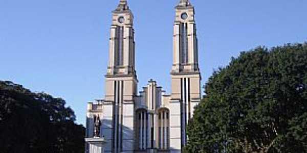 Campo Mourão-PR-Catedral de São José-Foto:Vicente A. Queiroz