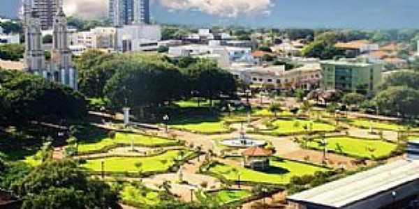 Campo Mourão-PR-Praça da Catedral-Foto:comunidadecm.