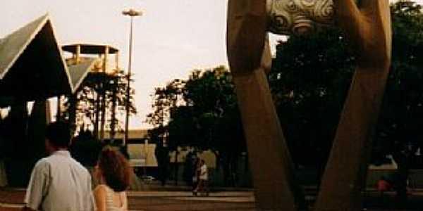 Cascavel-PR-Monumento à N.Sra.Aparecida-Foto:brezzinka