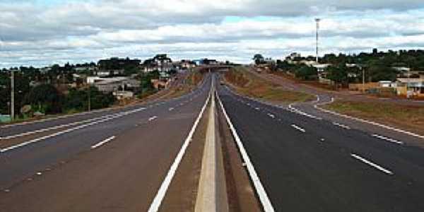 Cascavel-PR-Viaduto da BR-467 na Av.Rocha Pombo-Foto:Artemio Clides Karpinski