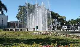 Castro - Castro-PR-Fonte na Pra�a Central-Foto:www.castroonline.com.br