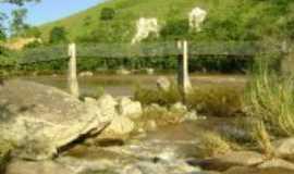 Cerro Azul - passarela do pasadouro rio ribeira, Por matilde barbiot