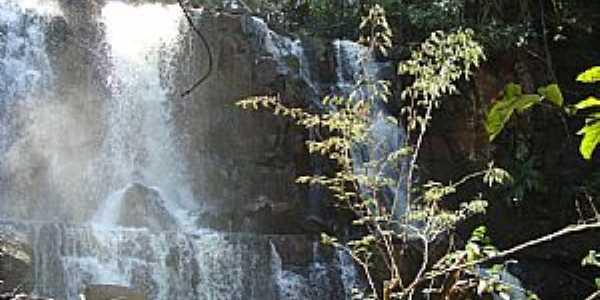 Cachoeira - por Marcos Gonzaga
