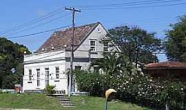 Colombo - Colombo-PR-Casarão da Chácara Pedra Branca-Foto:joão manoel granemann
