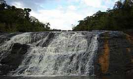 Congonhinhas - Congonhinhas-PR-Cachoeira-Foto:Marcelo Castro