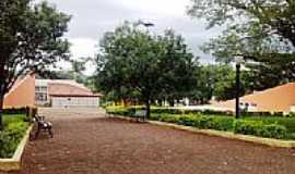 Congonhinhas - Congonhinhas-PR-Praça no centro da cidade-Foto:Donisetetiti